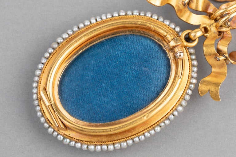 Antique Victorian Locket, Gold Enamel and Pearls For Sale 6