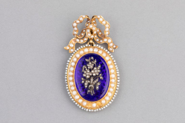 Women's Antique Victorian Locket, Gold Enamel and Pearls For Sale
