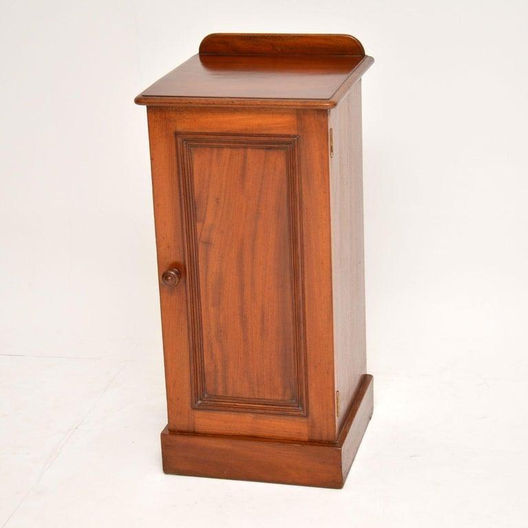 British Antique Victorian Mahogany Bedside Cabinet For Sale