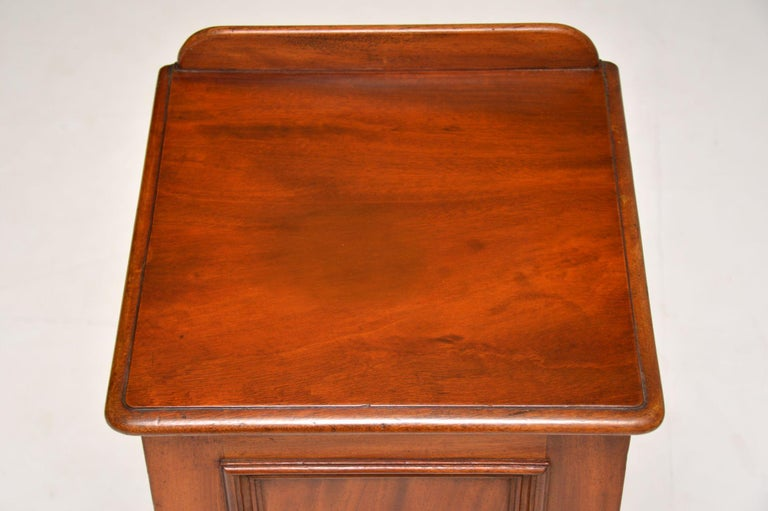 Antique Victorian Mahogany Bedside Cabinet For Sale 2