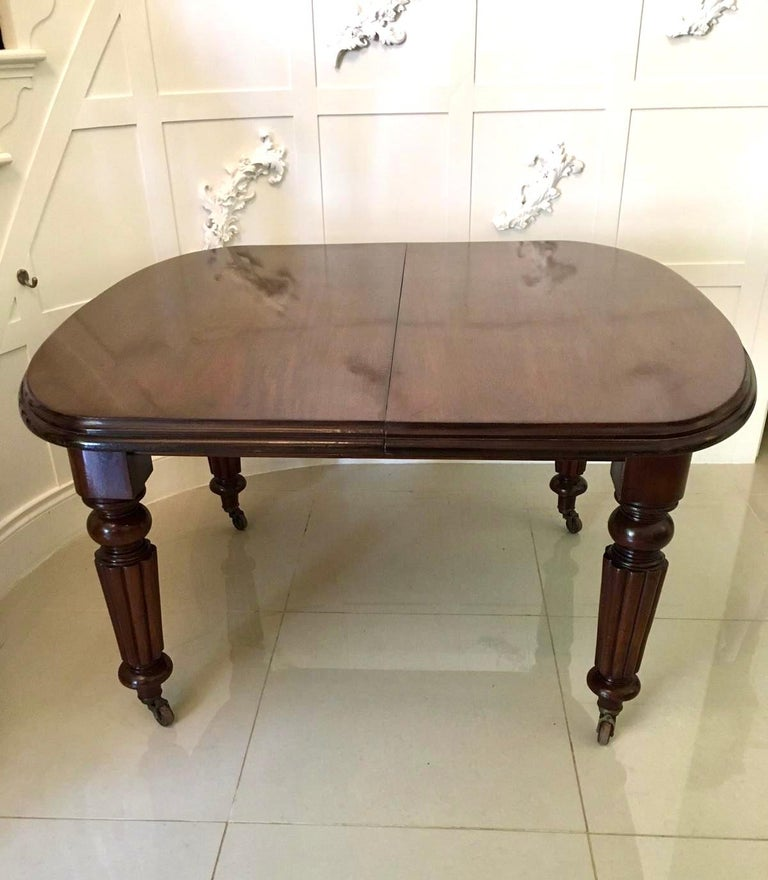 Antique Victorian Mahogany Extending Dining Table In Excellent Condition For Sale In Norwich, GB