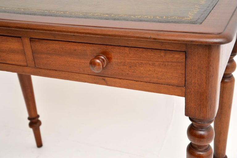 19th Century Antique Victorian Mahogany and Leather Writing Table For Sale