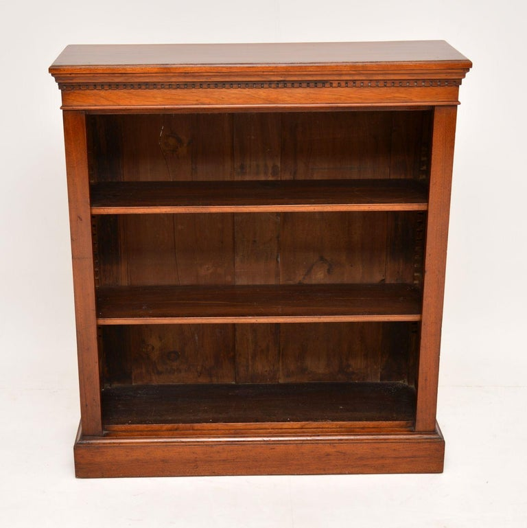 Antique Victorian Mahogany Open Bookcase In Good Condition In London, GB