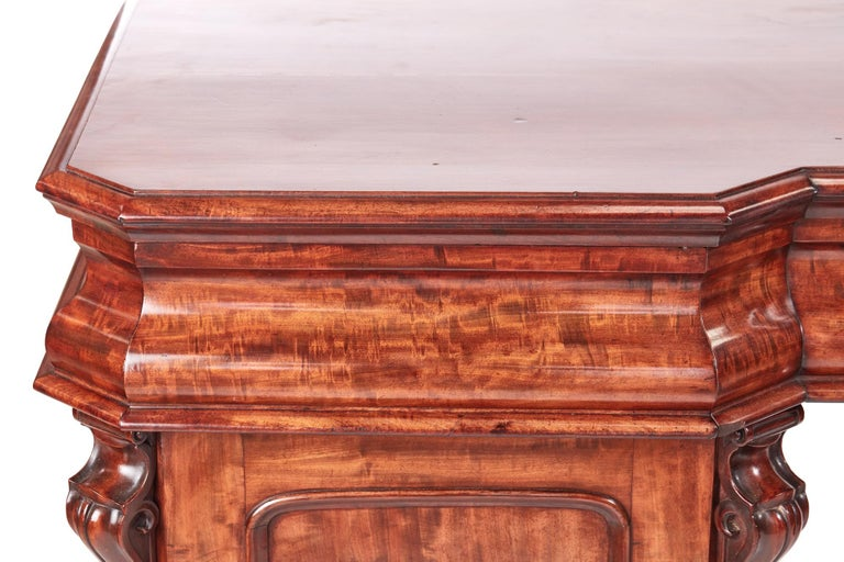 Antique Victorian Mahogany Sideboard In Excellent Condition For Sale In Norwich, GB
