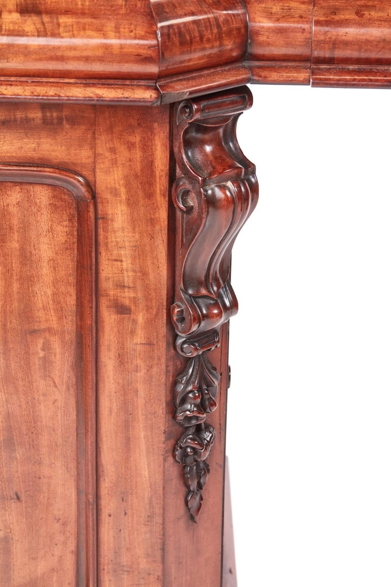 Antique Victorian Mahogany Sideboard For Sale 1