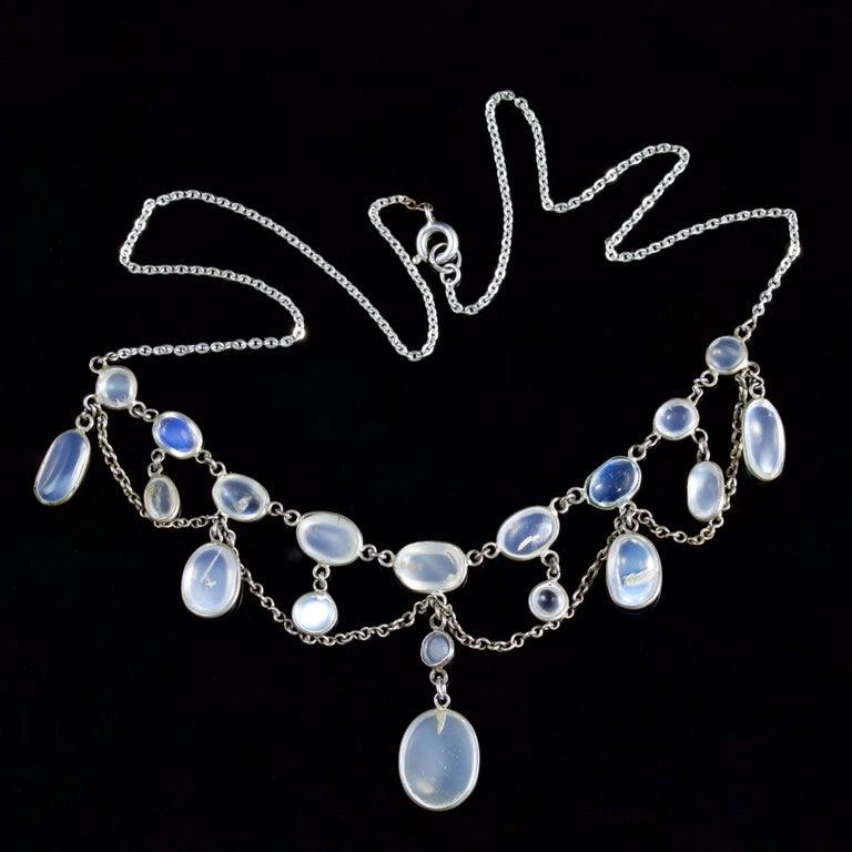 Women's Antique Victorian Moonstone Necklace Garland Silver, circa 1880 For Sale