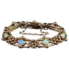 Antique Victorian Opal Gate Bracelet 9 Carat Yellow Gold, circa 1890