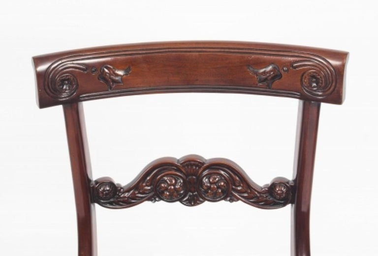 Antique Victorian Oval Dining Table 19th Century and 8 Bar Back Dining Chairs For Sale 8