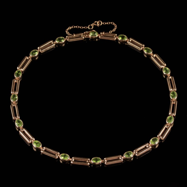 Antique Victorian Peridot Necklace 9 Carat Rose Gold, circa 1890 In Excellent Condition For Sale In Lancaster, Lancashire