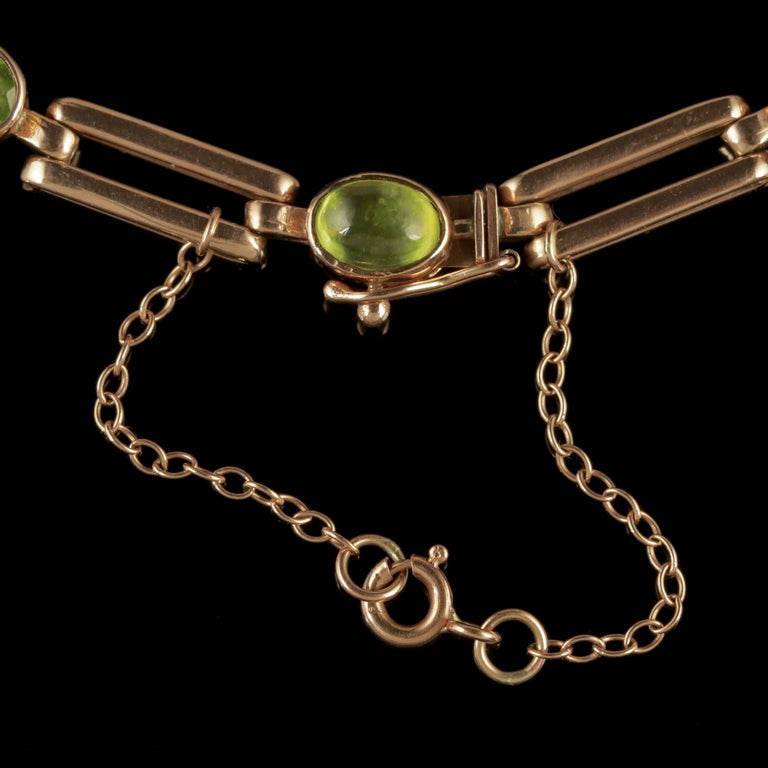 Women's Antique Victorian Peridot Necklace 9 Carat Rose Gold, circa 1890 For Sale