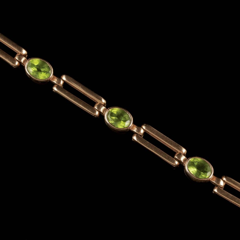 Antique Victorian Peridot Necklace 9 Carat Rose Gold, circa 1890 For Sale 3