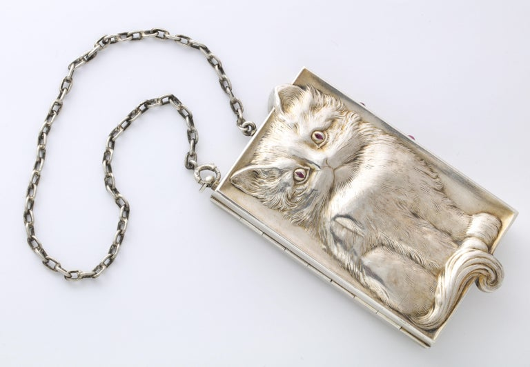 Antique Art Deco Ruby Eyed Kitten Silver Purse/Compact In Excellent Condition For Sale In Stamford, CT