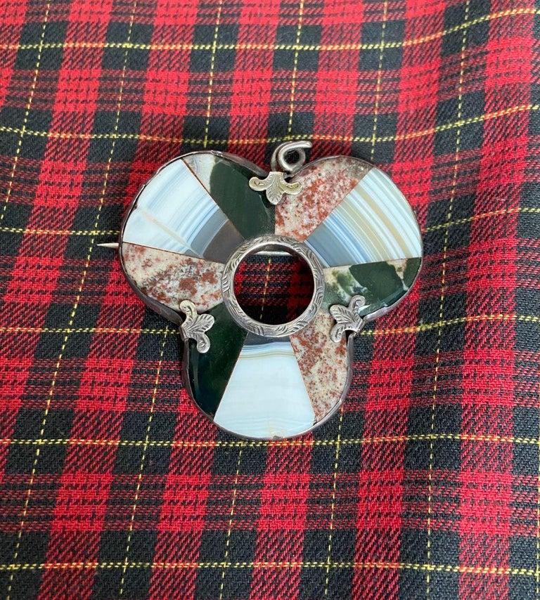 Women's or Men's Antique Victorian Scottish Agate Shamrock Brooch or Pendant For Sale