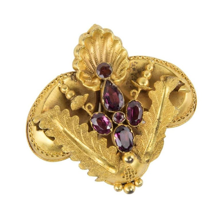 Mixed Cut Antique Victorian Shell and Leaf Motif Gold Brooch Pin Estate Fine Jewelry For Sale