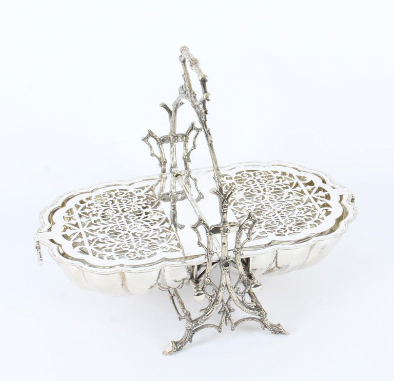 Victorian Silver Plated Shell Folding Biscuit Box by Elkington, 19th Century For Sale 6