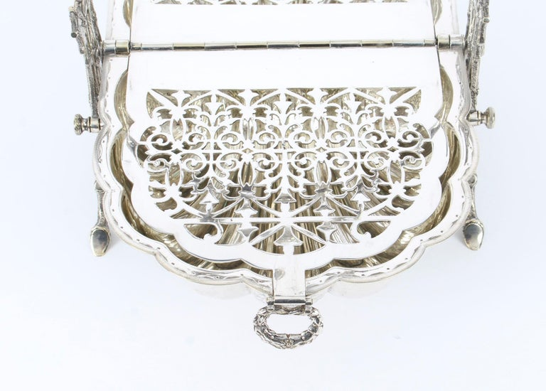 Victorian Silver Plated Shell Folding Biscuit Box by Elkington, 19th Century For Sale 7