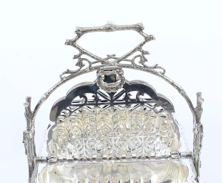 Victorian Silver Plated Shell Folding Biscuit Box by Elkington, 19th Century For Sale 10