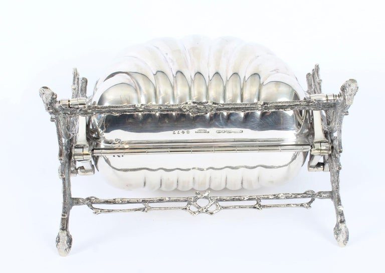 Victorian Silver Plated Shell Folding Biscuit Box by Elkington, 19th Century For Sale 11