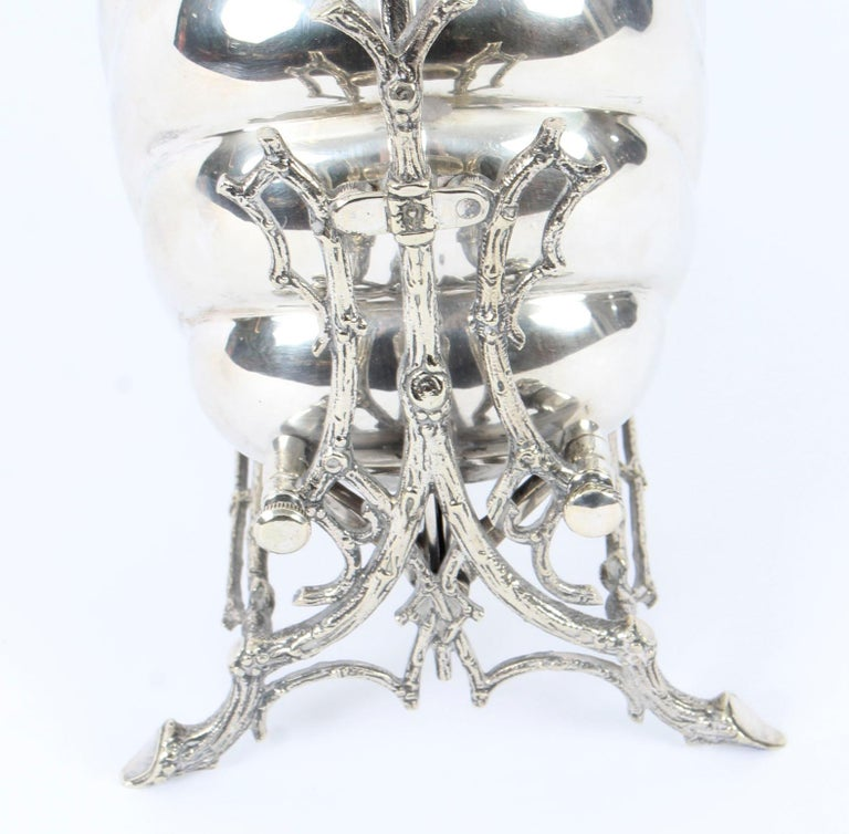 Victorian Silver Plated Shell Folding Biscuit Box by Elkington, 19th Century For Sale 3