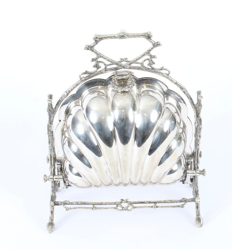 Victorian Silver Plated Shell Folding Biscuit Box by Elkington, 19th Century For Sale 4