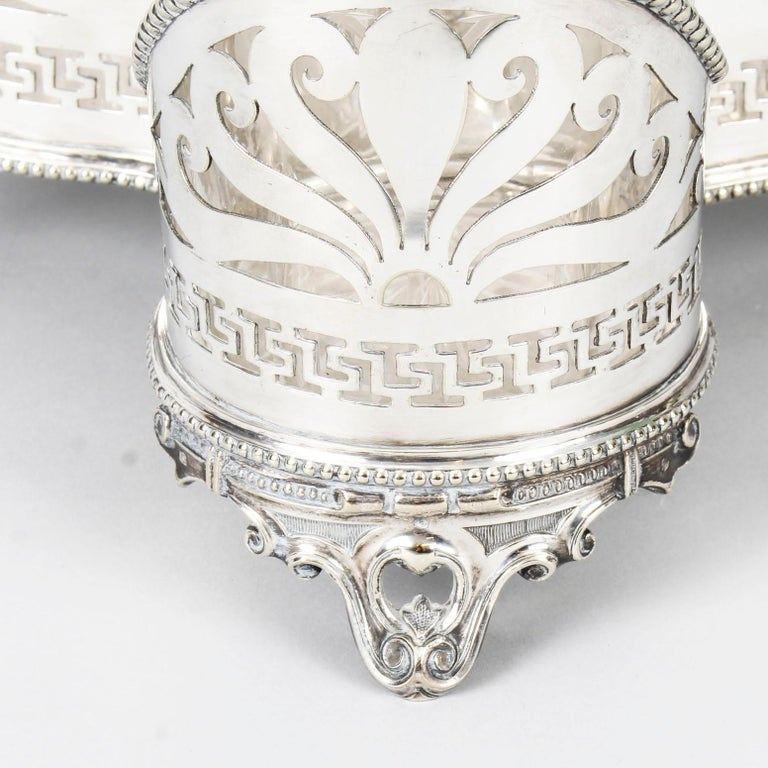Antique Victorian Silver Plated Triple Decanter Stand Tantalus 19th Century In Good Condition For Sale In London, GB