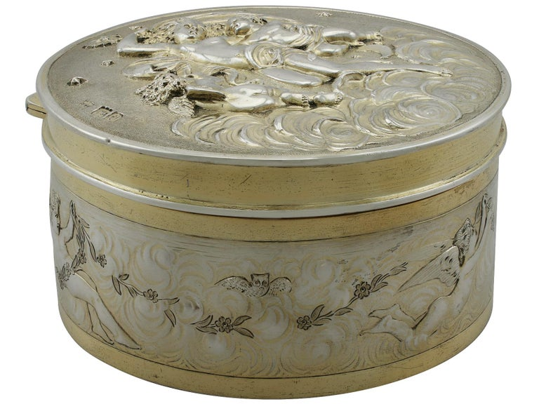 Antique Victorian Sterling Silver and Gilt Box In Excellent Condition For Sale In Jesmond, Newcastle Upon Tyne