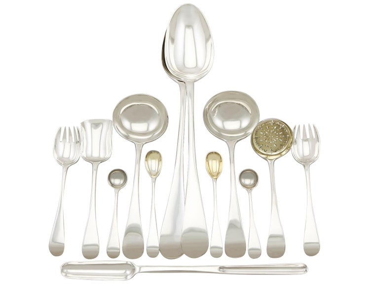 Antique Victorian Sterling Silver Canteen of Cutlery for Eight Persons In Excellent Condition For Sale In Jesmond, Newcastle Upon Tyne