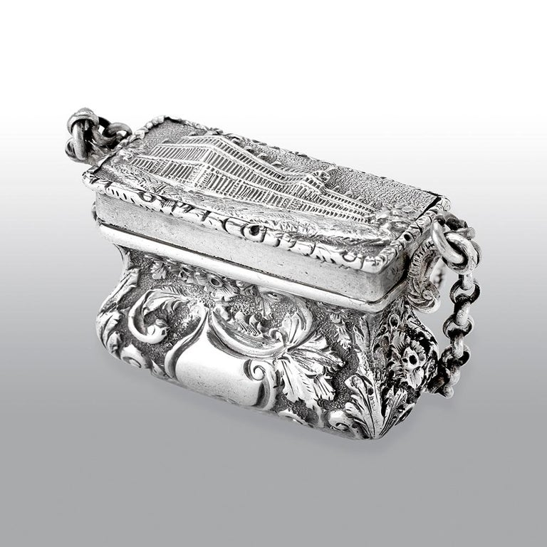 English Antique Victorian Sterling Silver Castle-Top Vinaigrette Crystal Palace For Sale