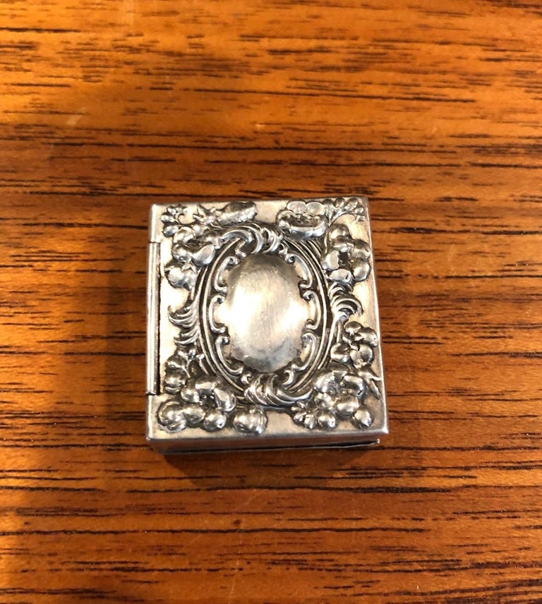 Antique Victorian Sterling Silver Double Sided Stamp Box by Whiting Mfg. In Good Condition For Sale In San Diego, CA