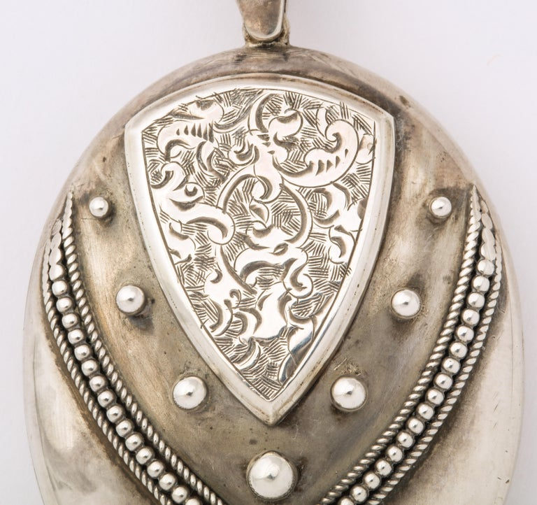 Antique Victorian Sterling Silver Engraved Locket In Excellent Condition For Sale In Stamford, CT