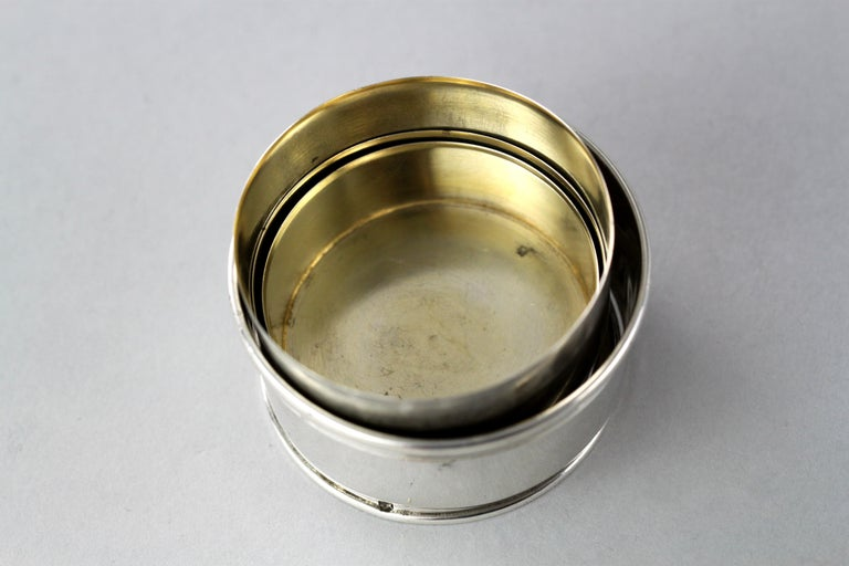 Antique Victorian sterling silver travelling shot/cup A unique feature, which allows the cup to be portable by sliding up and down. Very useful as it is ideal for travelling. Maker: W Leuchars, Made in London 1886 Fully hallmarked.  Dimensions