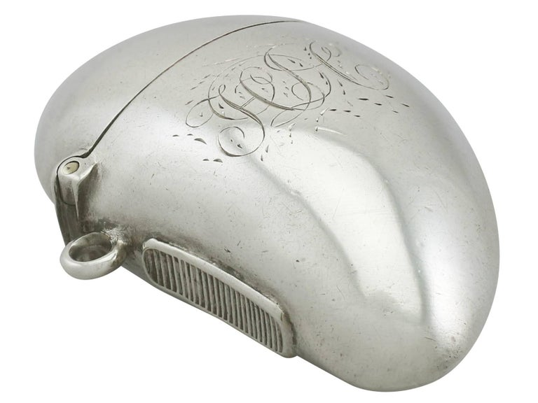 Antique Victorian Sterling Silver Mussel Vesta Case For Sale 1