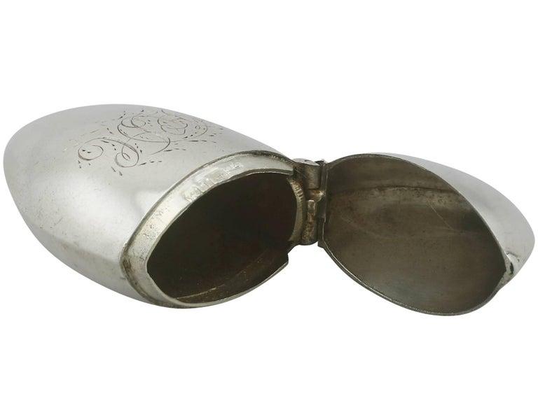 Antique Victorian Sterling Silver Mussel Vesta Case For Sale 2