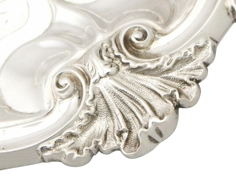 Mid-19th Century Antique Victorian Sterling Silver Salver For Sale