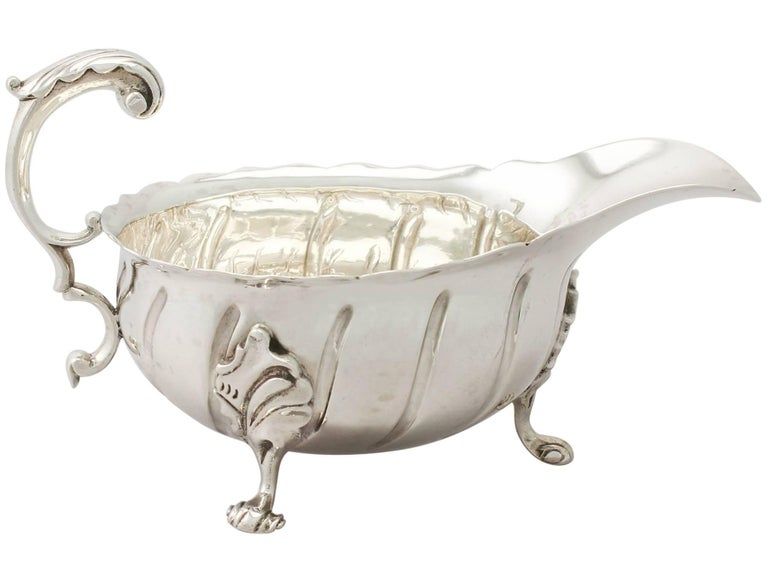 Antique Victorian Sterling Silver Sauceboats / Gravy Boats In Excellent Condition For Sale In Jesmond, Newcastle Upon Tyne