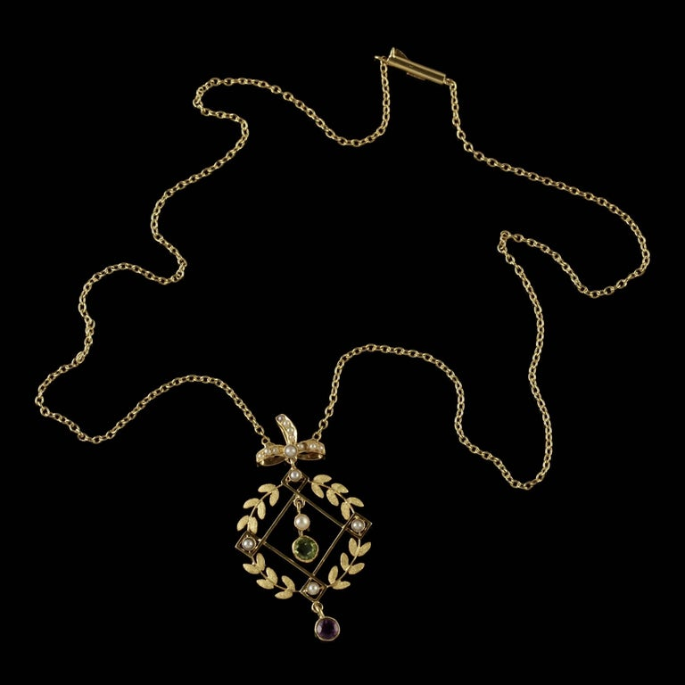 Antique Victorian Suffragette Necklace 15 Carat Gold Pendant, circa 1900 For Sale 2