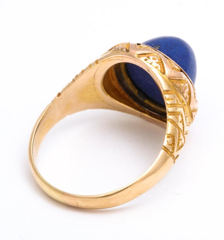 Antique Victorian Sugarloaf Lapis Lazuli Ring In Excellent Condition For Sale In Stamford, CT
