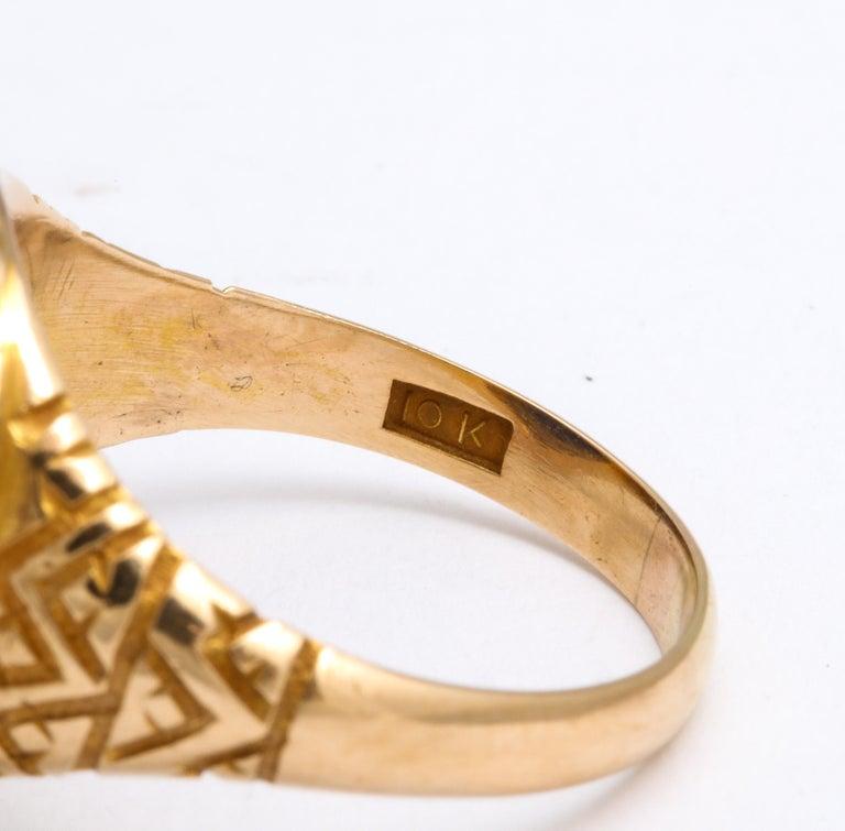 Antique Victorian Sugarloaf Lapis Lazuli Ring For Sale 2