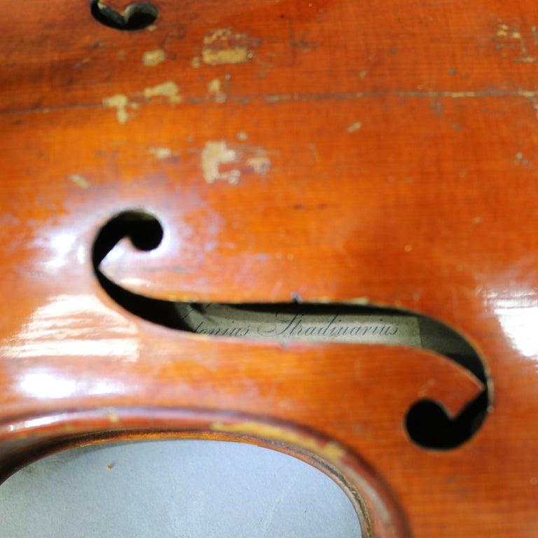 Antique Victorian Tiger Maple Violin and Case, Salvatore Durro, 19th Century In Good Condition For Sale In Big Flats, NY
