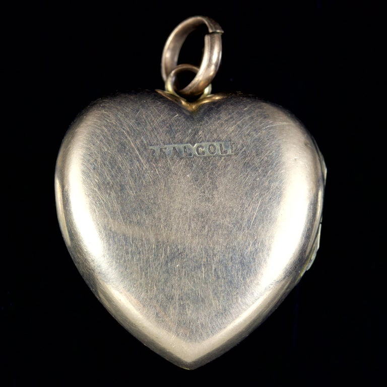 Antique Victorian Turquoise Pearl Heart Locket Gold, circa 1900 In Excellent Condition For Sale In Lancaster, Lancashire