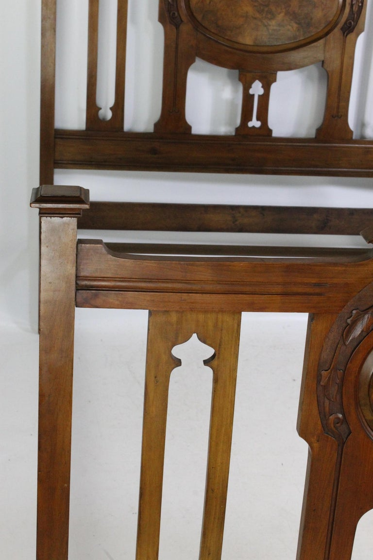 Antique Victorian Walnut Arts & Crafts Double Bed, Full Size English Bedstead For Sale 7