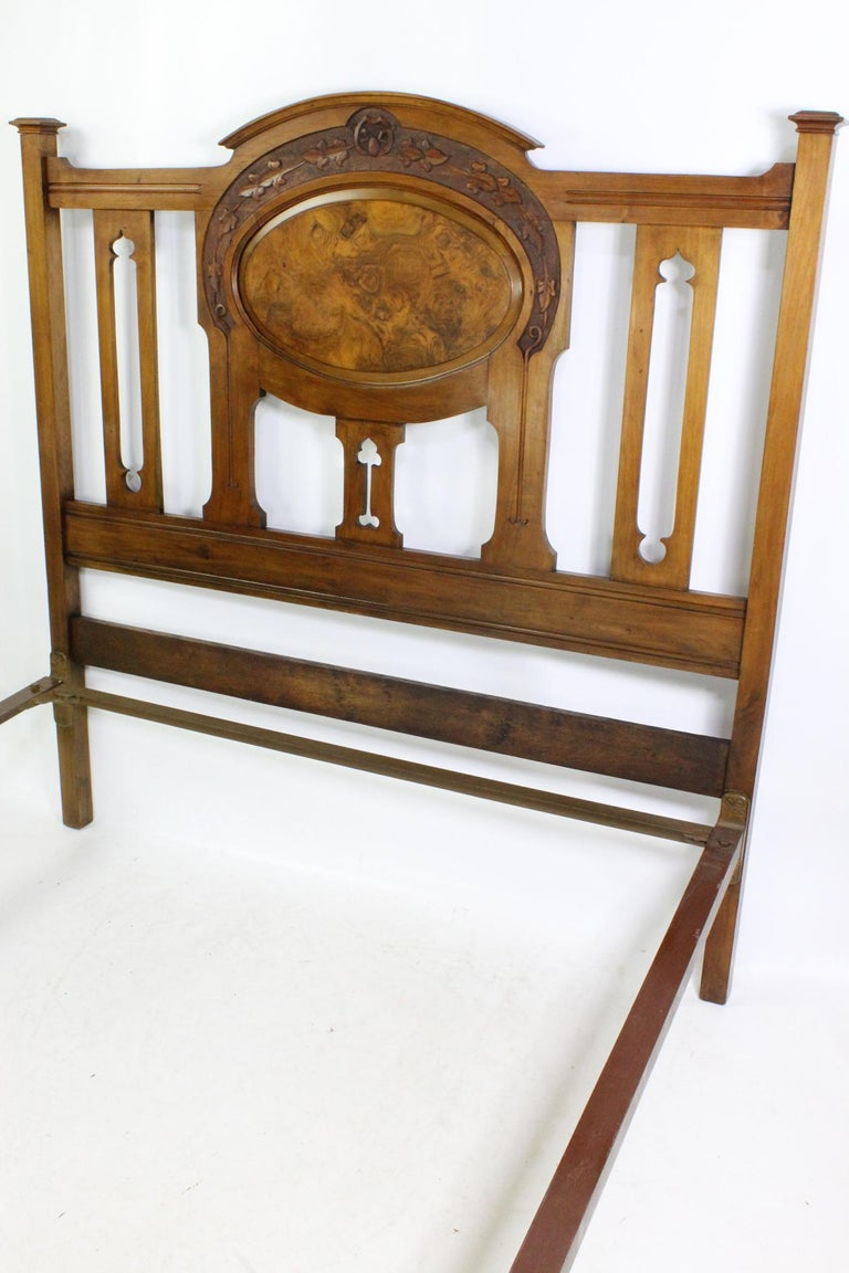 Antique Victorian Walnut Arts & Crafts Double Bed, Full Size English Bedstead For Sale 8