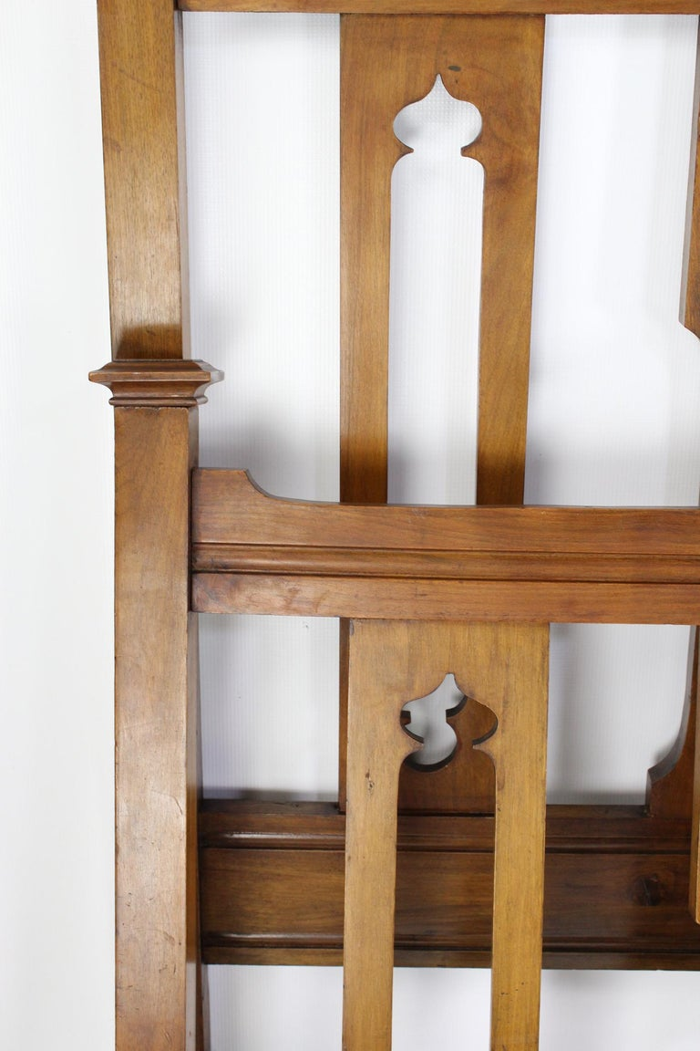 Antique Victorian Walnut Arts & Crafts Double Bed, Full Size English Bedstead For Sale 4