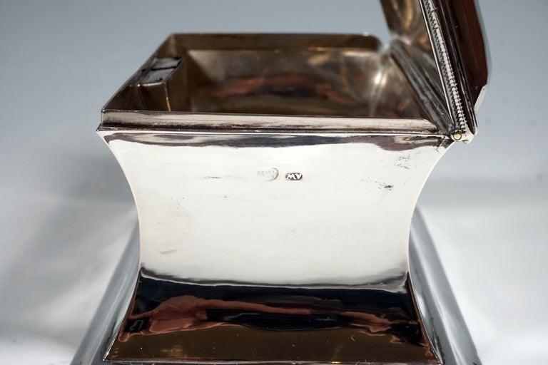 Antique Vienna Silver Biedermeier Sugar Box Anton Weichesmueller, Made 1844 In Good Condition For Sale In Vienna, AT