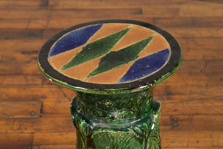 Antique Vietnamese Green Glazed Pedestal with Foliage Design and Diamond Motifs In Good Condition For Sale In Yonkers, NY