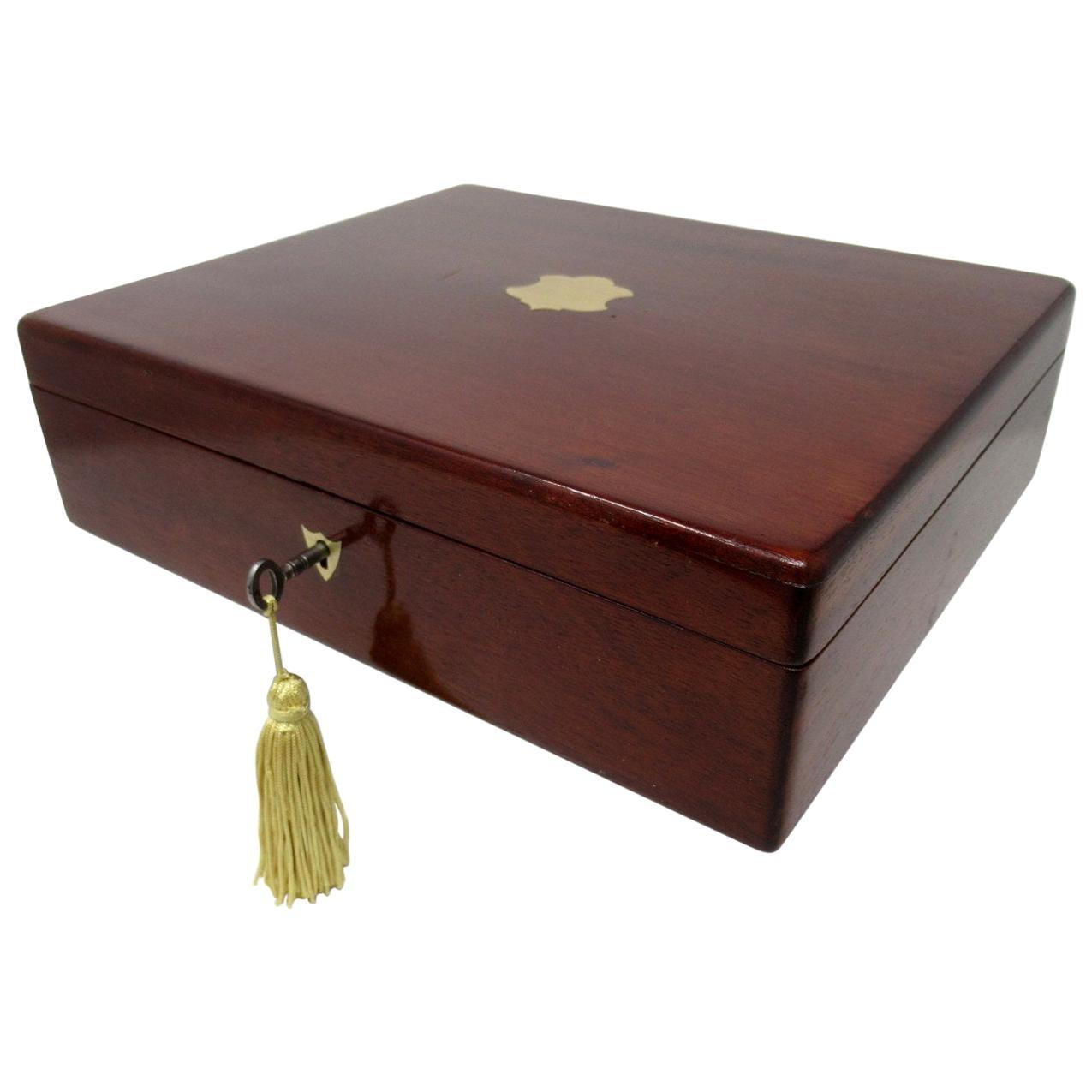 Antique Vintage Mahogany Wooden Jewelry or Gentleman's Cigar Box Casket