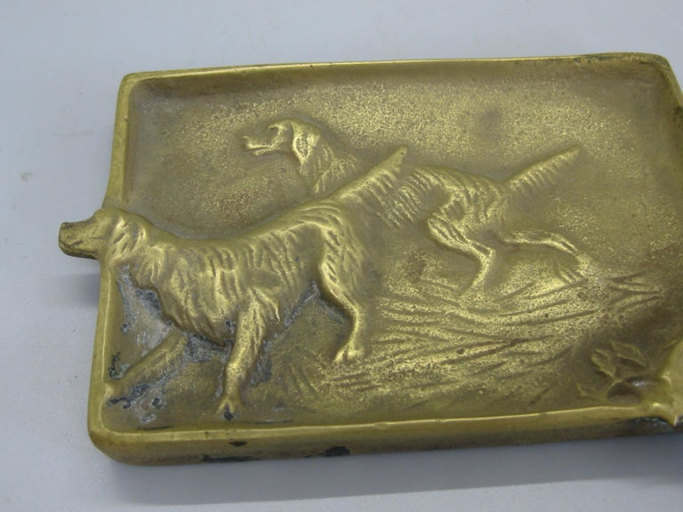 Antique Virginia Metalcrafters Irish Setter Figural Dog Brass Desk Ashtray In Good Condition For Sale In San Diego, CA