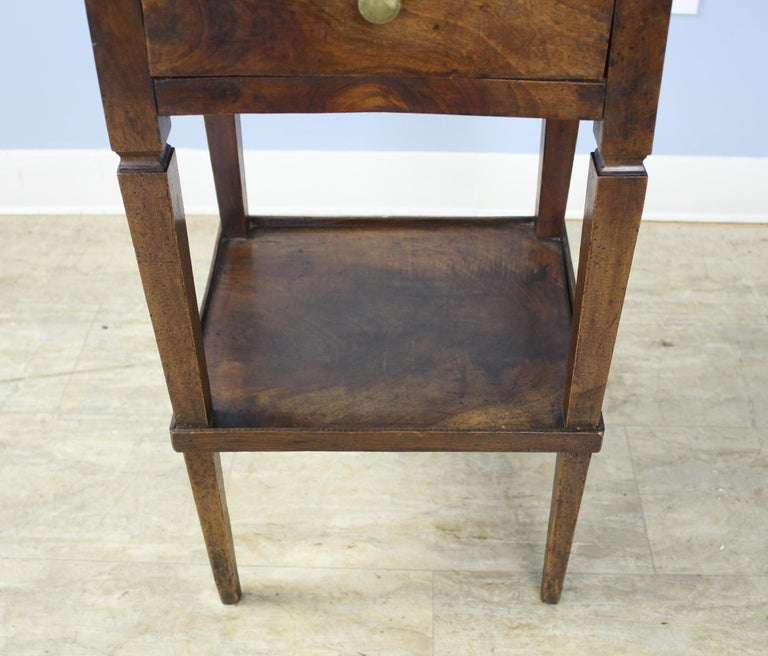 Antique Walnut Side Table In Good Condition For Sale In Port Chester, NY