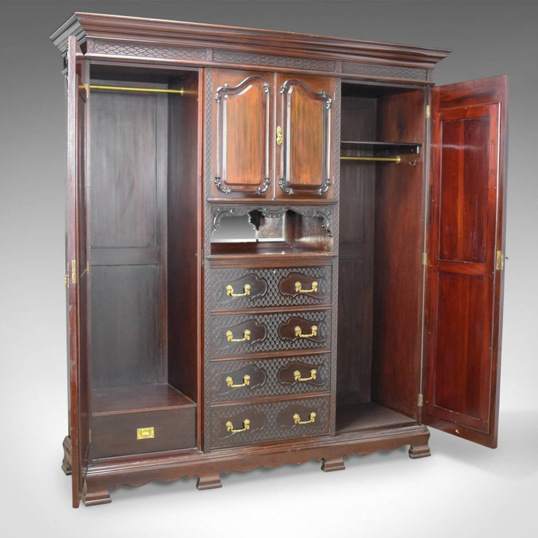 Antique Wardrobe, Carved Mahogany, English, Compactum, Edwardian, circa 1910 In Good Condition For Sale In Hele, Devon, GB