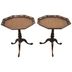Antique Weiman Heirloom Mahogany Regency Pie Crust Side Lamp Tables, a Pair